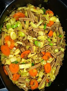 Evas Køkken: Sommergryde med oksekød, pasta og kål