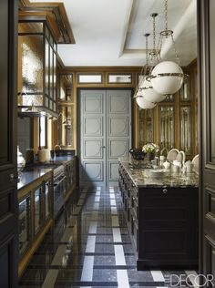 Interior design extraordinaire, Jean-Louis Deniot, has created yet another stunning Paris home that's fit for royalty. Black Kitchens, Luxury Kitchens, Cool Kitchens, French Kitchens, Modern French Kitchen, Galley Kitchens, Paris Apartments, Cuisines Design, Küchen Design