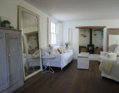 leaning-mirror-lean-on-medave-coote-interiors1.jpg 590×464 pixels