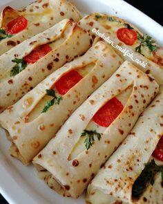 """1,358 Beğenme, 38 Yorum - Instagram'da 💕Ne yaparsan yap aşk ile yap💕 (@betulun_mutfak_aski): """"Bu krepleri nasıl övsem bilemedim 🤣 Yemek mi desem, börekmi desem ama hangi amaçla yaparsanız yapın…"""" Crepes And Waffles, Savory Crepes, Breakfast Recipes, Snack Recipes, Cooking Recipes, Turkish Recipes, Indian Food Recipes, Pizza Pastry, Food Platters"""