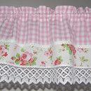 *✻ ✻ ✻ ✻ ✻ ✻ Landhaus-Traum HEIßT DICH & ♥ ♥ ♥ LICH WILLKOMMEN ✻ ✻ ✻ ✻ ✻ ✻* Ein Karo Vichy in rosa weiss ist hier mit dem beliebten Rosali Rosenstoff kombiniert. Weiße Klöppelspitzen...