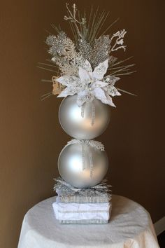 White Christmas Floral Arrangement with Two 8 by BlackPineDesign - Weihnachts Bastelideen - Christmas Flower Arrangements, Pink Christmas Decorations, Christmas Centerpieces, Floral Arrangements, Simple Christmas, White Christmas, Christmas Diy, Christmas Wreaths, Christmas Bulbs