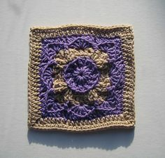 circle flower  -- free ravelry crochet afghan square pattern