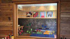 Ricon infantil en restauran Los Leños. Se utiliza Coala Canvas y vinilos de color