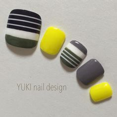 Black, grey & yellow nails - cool for summer Love Nails, My Nails, Asian Nails, Japan Nail, Feet Nails, Yellow Nails, Toe Nail Designs, Super Nails, Toe Nail Art