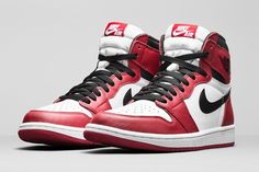 "Air Jordan 1 Retro High OG ""Chicago"" White/Black-Varsity Red Copped these off the bargain rack at Modells back in the day. Nike Air Jordans, Sneakers Nike Jordan, Air Jordan Shoes, Nike Shoes, Jordan Nike, Air Jordan Retro, Jordan 1 Retro High, Jordan 1 Red, Zapatillas Jordan Retro"
