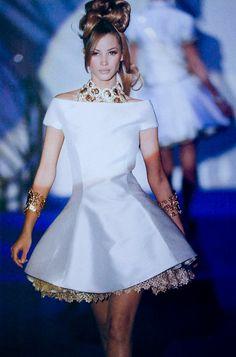 Christy Turlington for Versace (1992)