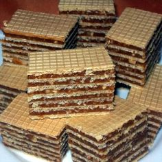 Érdekel a receptje? Hungarian Desserts, Hungarian Cake, Hungarian Recipes, Hungarian Food, Cream Cheese Flan, Condensed Milk Cake, Waffle Cake, Ice Cream Candy, Wafer Cookies