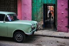 Russian Car in Old Havana . Steve McCurry . 2010