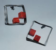 Lada Vosejpkova (cz) - earrings - N 01 -  oxidized silver, coral