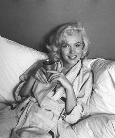 Monroe drinking coffeeee