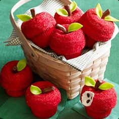 Cupcakes disguised as apples.
