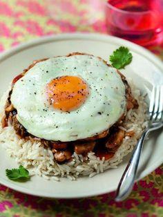 poivre, blanc de poulet, oeuf, champignon de Paris, chou chinois, ail, riz blanc, sel, carotte
