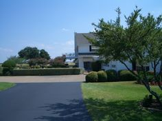 North side of mansion. Southfork Ranch, Dallas, David, Actors, Mansions, House Styles, Actor, Fancy Houses, Mansion