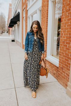 I love this modest dress & denim jacket outfit so much! so feminine and cute! Modest Dresses, Modest Outfits, Modest Fashion, Fashion Dresses, Summer Dresses, Maxi Dresses, Modest Clothing, 50 Fashion, Clothing Stores