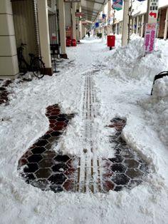 tweet : 各地で確認された「すごい雪だるま」まとめ - NAVER まとめ
