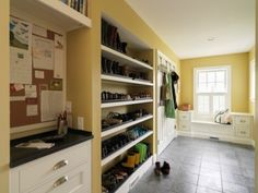 mudroom ideas : shelves for shoes, message center on the left, built-in seats below the window, over-the door hooks, laundry area behind the double door, rugged tiles for heavy-duty floor Shoe Storage Mudroom, Boot Storage, Diy Storage, Storage Ideas, Contemporary Bedroom Furniture, Contemporary Decor, Mud Rooms, Minimalist House, Ocd