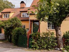 Våra Hem – Historiska hem The Kooks, Little Houses, Home Interior, The Expanse, Spotlights, Castle, Inspiration, Real Estate, Cottage
