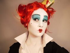 Alice in Wonderland: The Red Queen's Makeup #Theredqueen #makeuptodo  Do this makeup for the makeup unit .