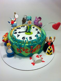 Easy Alice in Wonderland Cakes | It's not all edible, but this way there are toys leftover! :D Who ...