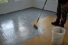 Comment peindre un carrelage : http://www.maisonentravaux.fr/couts-travaux/couts-peinture/comment-peindre-carrelage/
