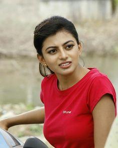 Beautiful Bollywood Actress, Most Beautiful Indian Actress, Beautiful Actresses, Beautiful Girl In India, Beautiful Girl Image, Indian Photoshoot, South Indian Actress Hot, Stylish Girls Photos, Beauty Full Girl