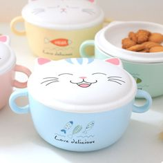 Our cute cat noodle bowls are more than willing to share your favorite noodles, pasta dishes or soups. Each lid showcases an adorable cartoon cat face in four different expressions, while keeping your food hot until Cute Kitchen, Kitchen Items, Kitchen Gadgets, Cute Water Bottles, Apollo Box, Kitchenware, Tableware, Noodle Bowls, Time To Eat