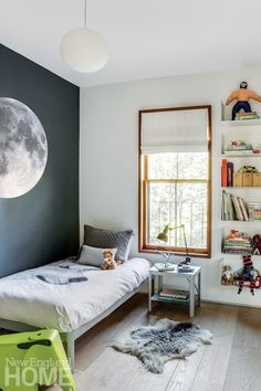 One of two children's rooms separated by an oversize pocket door. Large Furniture, Modern Furniture, Creative Kids Rooms, Sliding Wall, Separating Rooms, New England Homes, Pocket Doors, House And Home Magazine, Architect Design