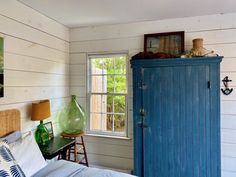My Stay at Sea Roost in Montauk Old Cottage, Maine Cottage, Cottage House, Small Beach Houses, Ski Decor, Beach Cottage Style, Wood Ceilings, Cabin Homes, House Tours