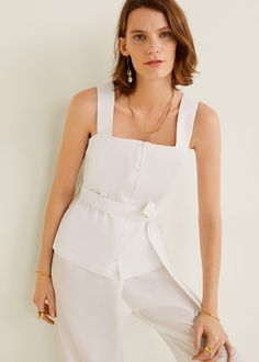 Discover the latest trends in Mango fashion, footwear and accessories. Shop the best outfits for this season at our online store. Bow Tops, Mango Fashion, Square Necklines, Outlet, Dress To Impress, Peplum Dress, Latest Trends, Cool Outfits, Fashion Dresses