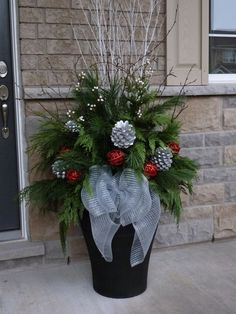 Christmas Decorations - Outdoor indoor christmas decor that are simply awesome 61 Indoor Christmas Decorations, Christmas Arrangements, Christmas Centerpieces, Halloween Decorations, Outdoor Christmas Planters, Outdoor Decorations, Outdoor Planters, Garden Planters, Outdoor Ideas