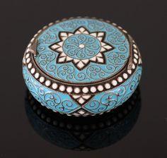 Gustav Gaudernack design for David Andersen. Silver gilt pillbox in russian style. 1895-1900