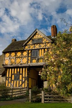 The Gatehouse, Stokesay Castle, UK one of the best preserved 13th century fortified Manor houses in the UK