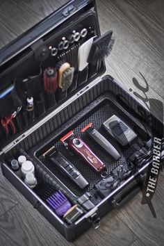 The perfect barber case setup. #barber