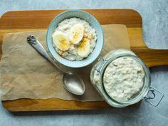 """""""Over natten"""" grøt Korn, Overnight Oats, Hummus, Smoothies, Oatmeal, Breakfast, Ethnic Recipes, Smoothie, The Oatmeal"""