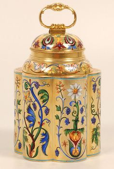 Ivan Khlebnikov - Silver Gilt and Champleve Enamel Tea Caddy - Moscow - 1896-1908