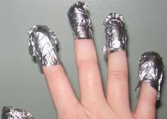 The Nail Junkie: QUICK, CLEAN and EASY Polish Removal: No scrubbing and even works on glitter!