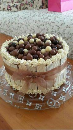 Chocolate Cake Video, Chocolate Cake Designs, Chocolate Cupcakes, Cake Decorating Techniques, Cake Decorating Tips, Candy Cakes, Cupcake Cakes, Cake Fondant, Cake Recipes