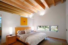 Студия Robert Hutchison Architect спроектировала частный дом, построенный на берегу реки в американском штате Вашингтон. Он расположен всего в пяти милях от живописной горы Рейнир, которая является спящим вулканом. Такое единение с природой буквально продиктовало степень открытости резиденции. По...