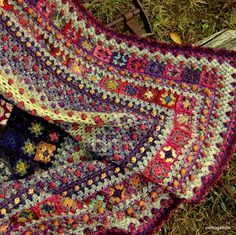 Beautiful crochet Granny squares. Looks like an oriental rug!