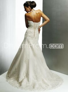 Sweetheart Strapless Wedding Dresses Embroidering Chapel Train