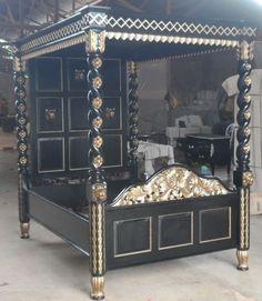 Himmelbett schwarz mit Gold