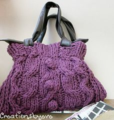 Knit handbag and leather handle  Need to make this out of a sweater....
