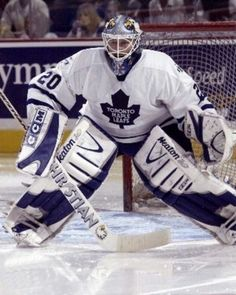 Ed Belfour / Toronto Hockey Rules, Women's Hockey, Hockey Sport, Hockey Stuff, Hockey Pictures, Sports Pictures, Eddie The Eagle, Hockey Decor, Maple Leafs Hockey
