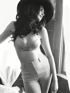 anne-hathaway-4-lingere