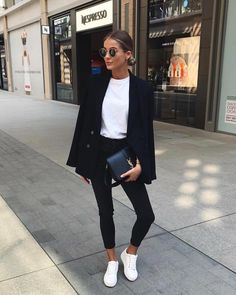 Slim jeans // black blazer // white T // white sneakers // classic but casual // YSL handbag // low bun What Should I Wear, White Outfits, Brows, Blazers, Locks, Normcore, White Rave Outfits, Eyebrowns, Eye Brows