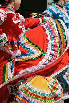 Ballet Folklorico A must see! Folklorico Dresses, Ballet Folklorico, Mexican Heritage, My Heritage, Mexico Culture, Mexico Style, Mexican Dresses, Folk Dance, Mexican Art