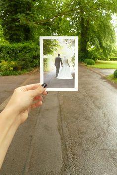 cute wed pic idea!