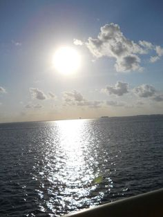 <3 love this... would like to be on a beach or on a boat looking at this...