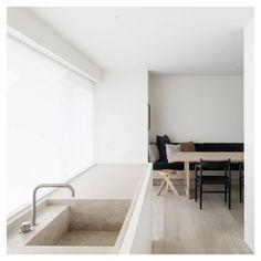 Home Remodel Bathroom DRD Apartment Knokke, Belgium by Vincent Van Duysen Koen Van Damme Home Interior, Modern Interior Design, Kitchen Interior, Interior Architecture, Minimalist Kitchen, Minimalist Interior, Küchen Design, House Design, Design Blog